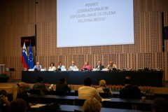 Panelna razprava na posvetu 'Izobraževanje in usposabljanje za zelena delovna mesta'