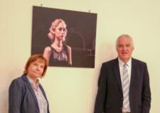 mag. Janez Damjan, direktor CPI in Urška Marentič, vodja sektorja na razstavi Srednje frizerske šole