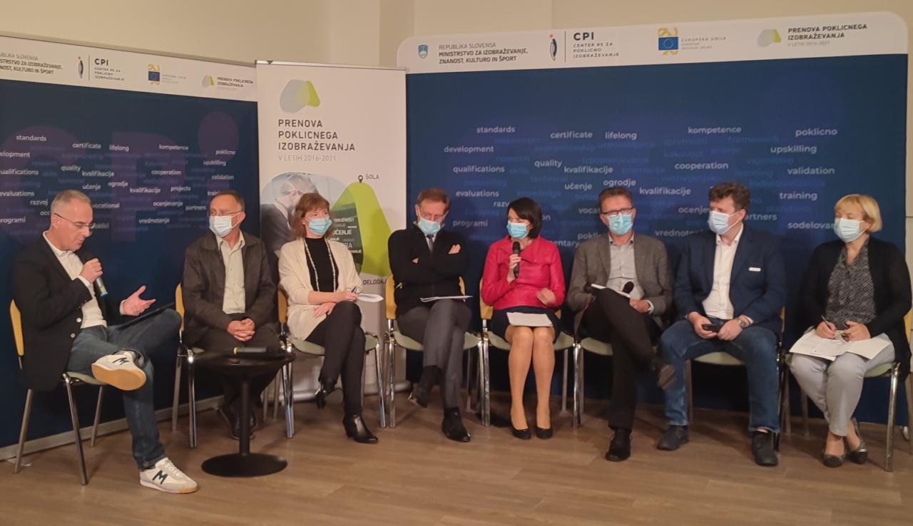Moderator Igor E. Bergant, Darko Mali (CPI), dr. Klara Skubic Ermenc (Filozofska fakulteta), dr. Boris Dular (MIZŠ), Štefanija Kos Zidar, Mitja Korunovski, Andrej Kos, Nataša Hafner Vojčić (MIZŠ)